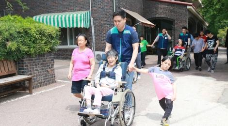 장애인 자원봉사