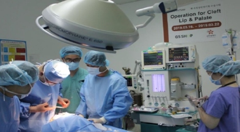 해외 선천성안면기형 아동수술사업
